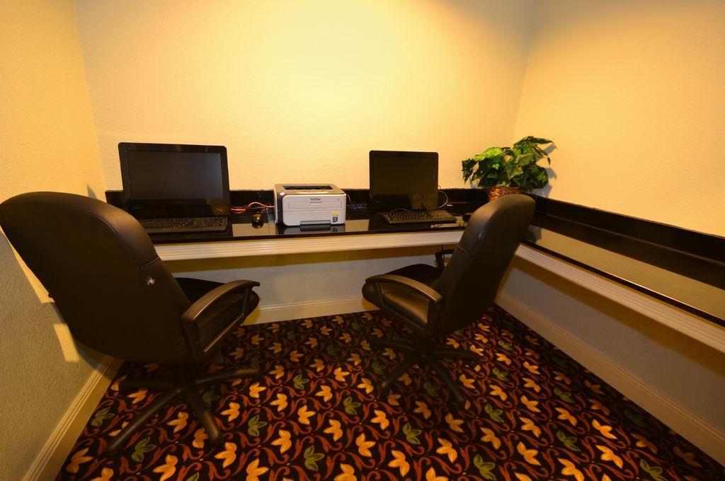 Conference Area - Best Western Plus Inn Gray