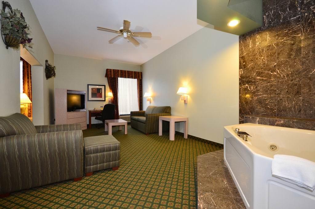 Suite - Best Western Plus Inn Gray