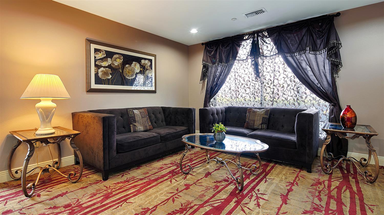 Lobby - Best Western Plus Inn Gray