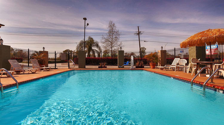 Pool - Best Western Bayou Inn Westwego