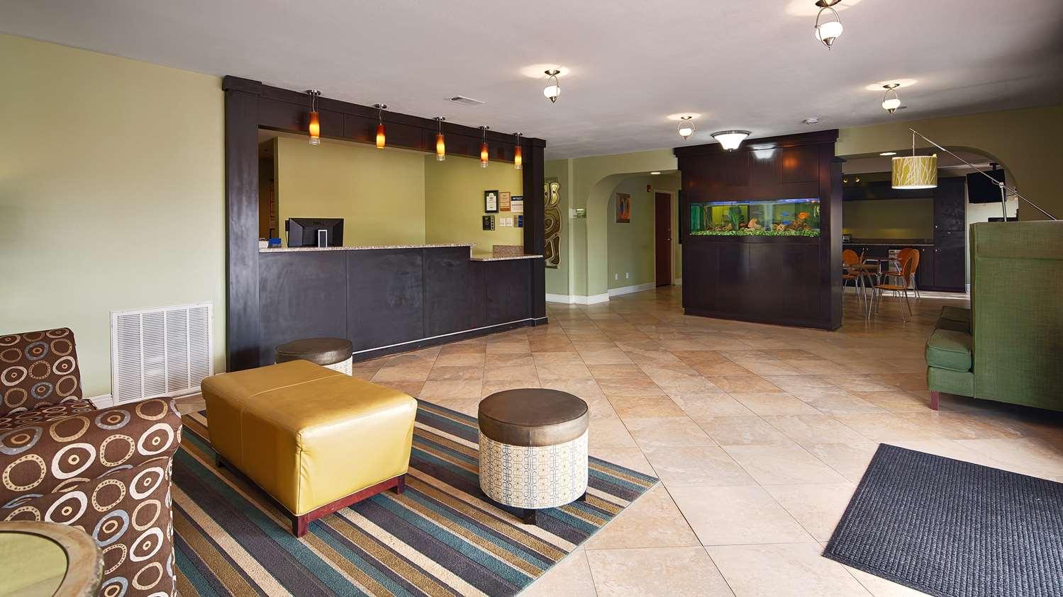 Lobby - Best Western Inn Zachary