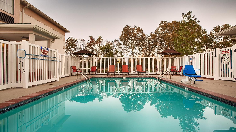 Pool - Best Western Inn Zachary