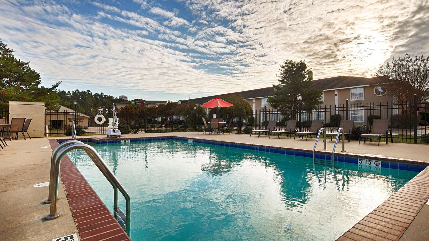 Pool - Best Western Natchitoches Inn