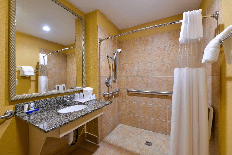 Room - Best Western Inn Plaquemine