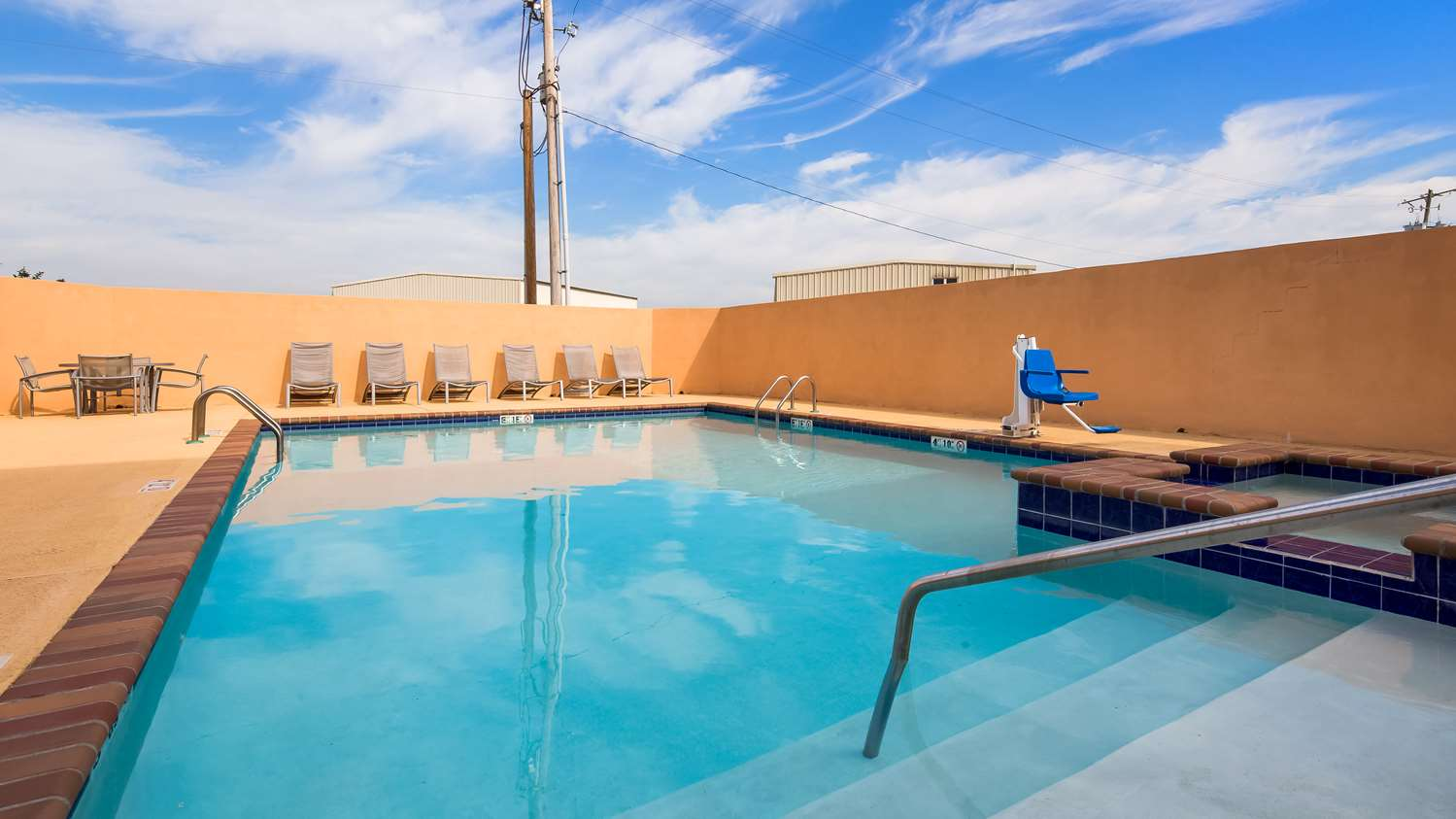 Pool - Best Western Abbeville Inn & Suites