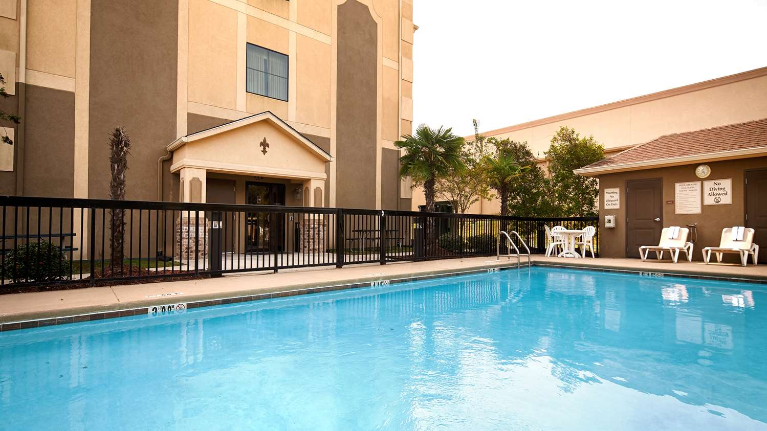 Pool - Best Western St Francisville Hotel