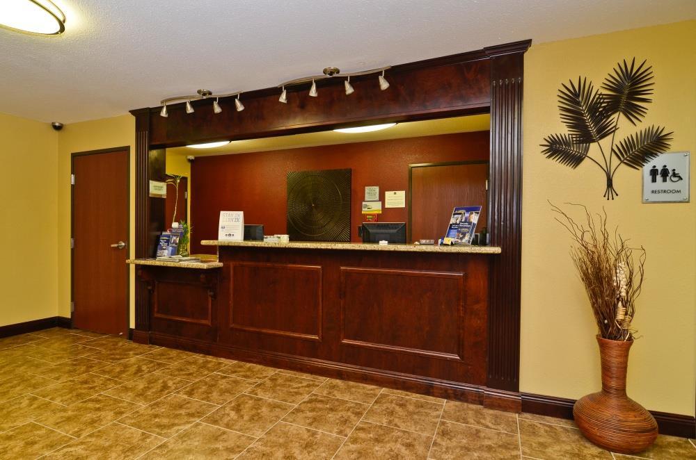 Lobby - Best Western Lafayette Inn