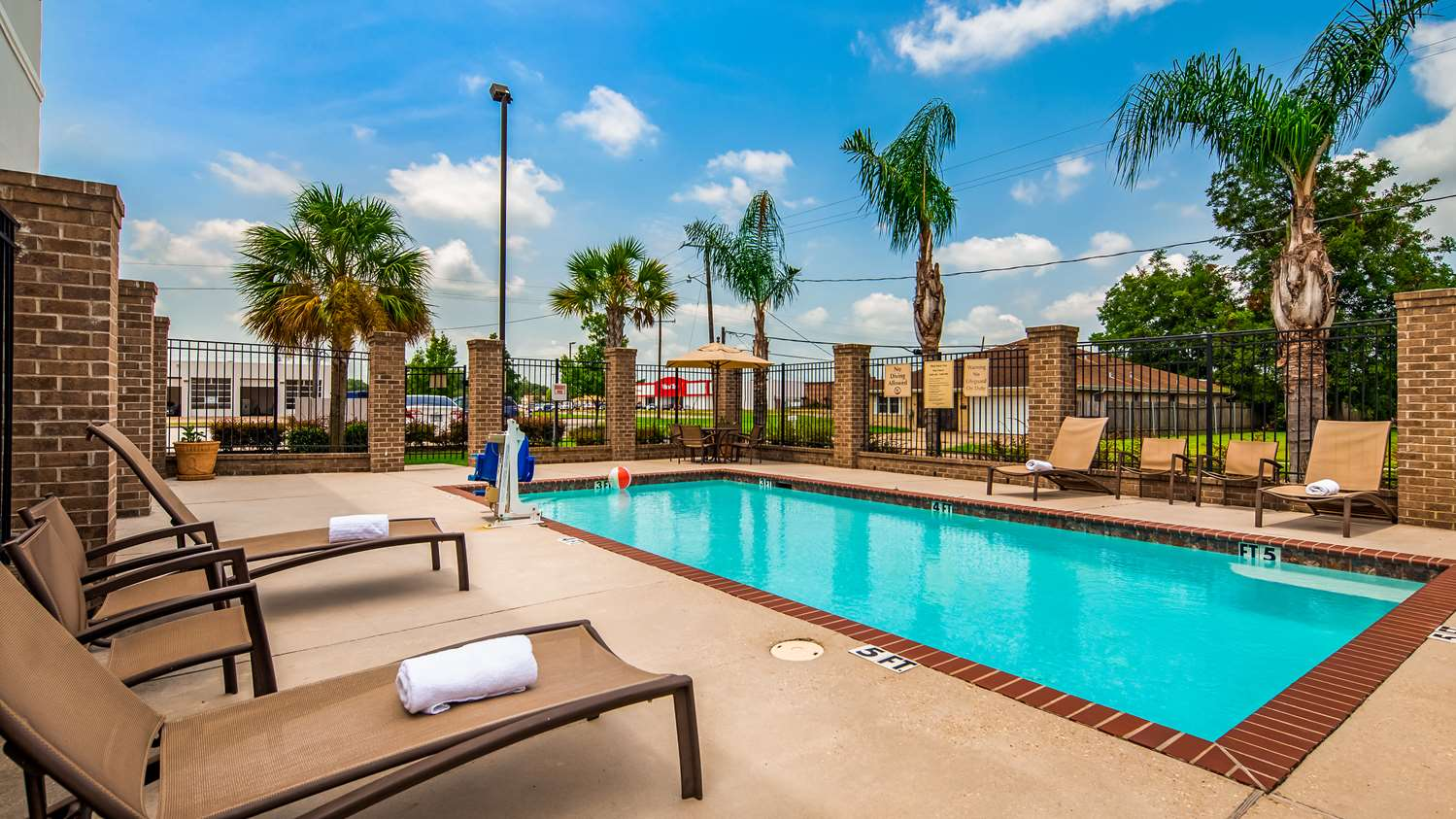 Pool - Best Western Plus Chalmette Hotel