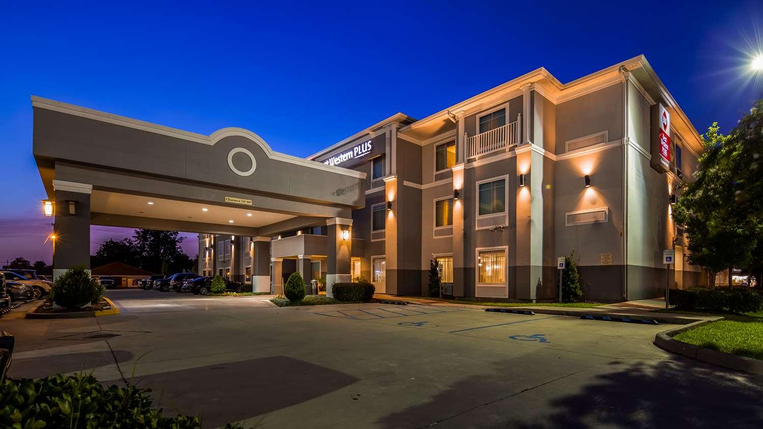 Exterior view - Best Western Plus Chalmette Hotel