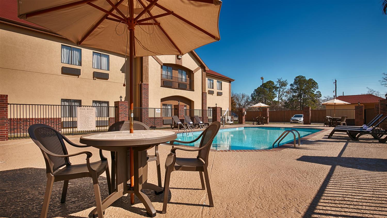 Pool - Best Western Bayou Inn Lake Charles