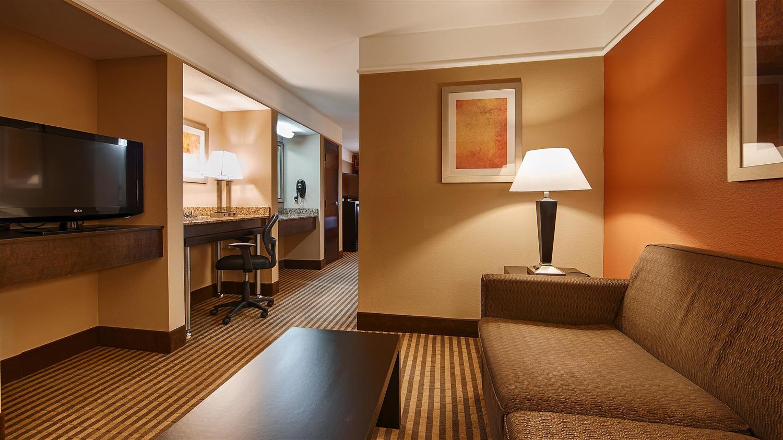 Suite - Best Western Bayou Inn Lake Charles