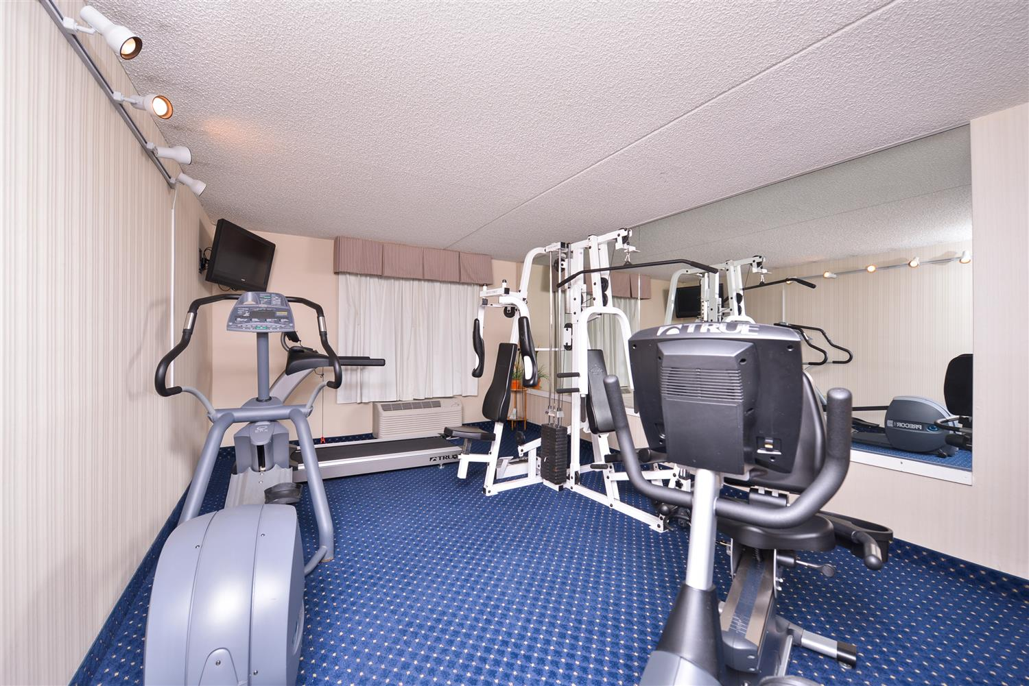 Fitness/ Exercise Room - Best Western La Plata Inn