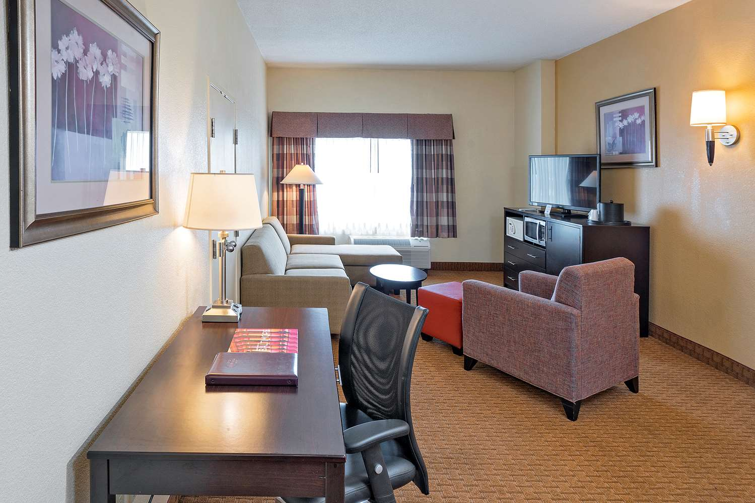 Suite - Best Western Plus Hotel & Conference Center