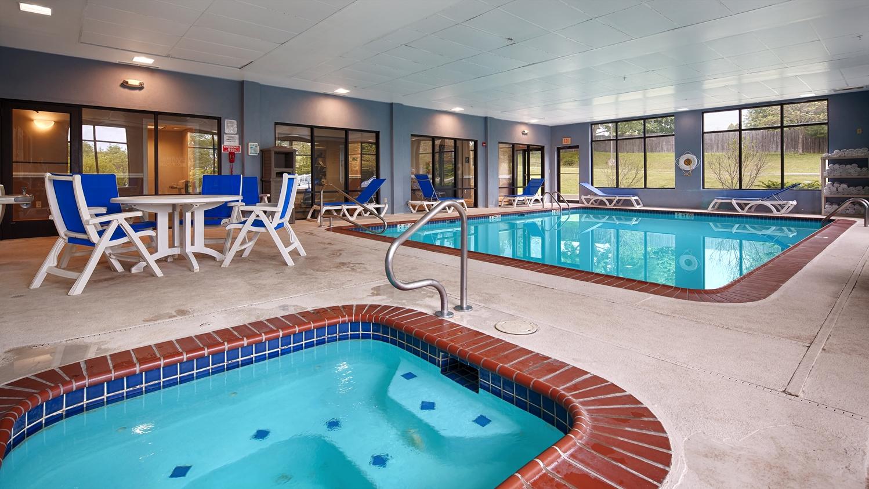 Pool - Best Western North East Inn