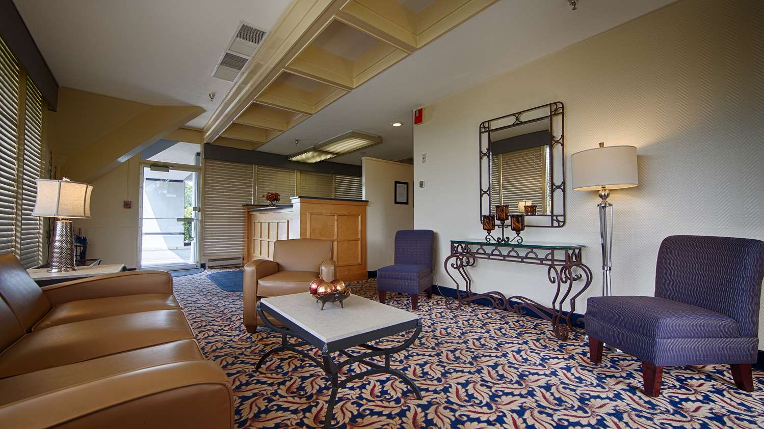 Lobby - Best Western at Historic Concord