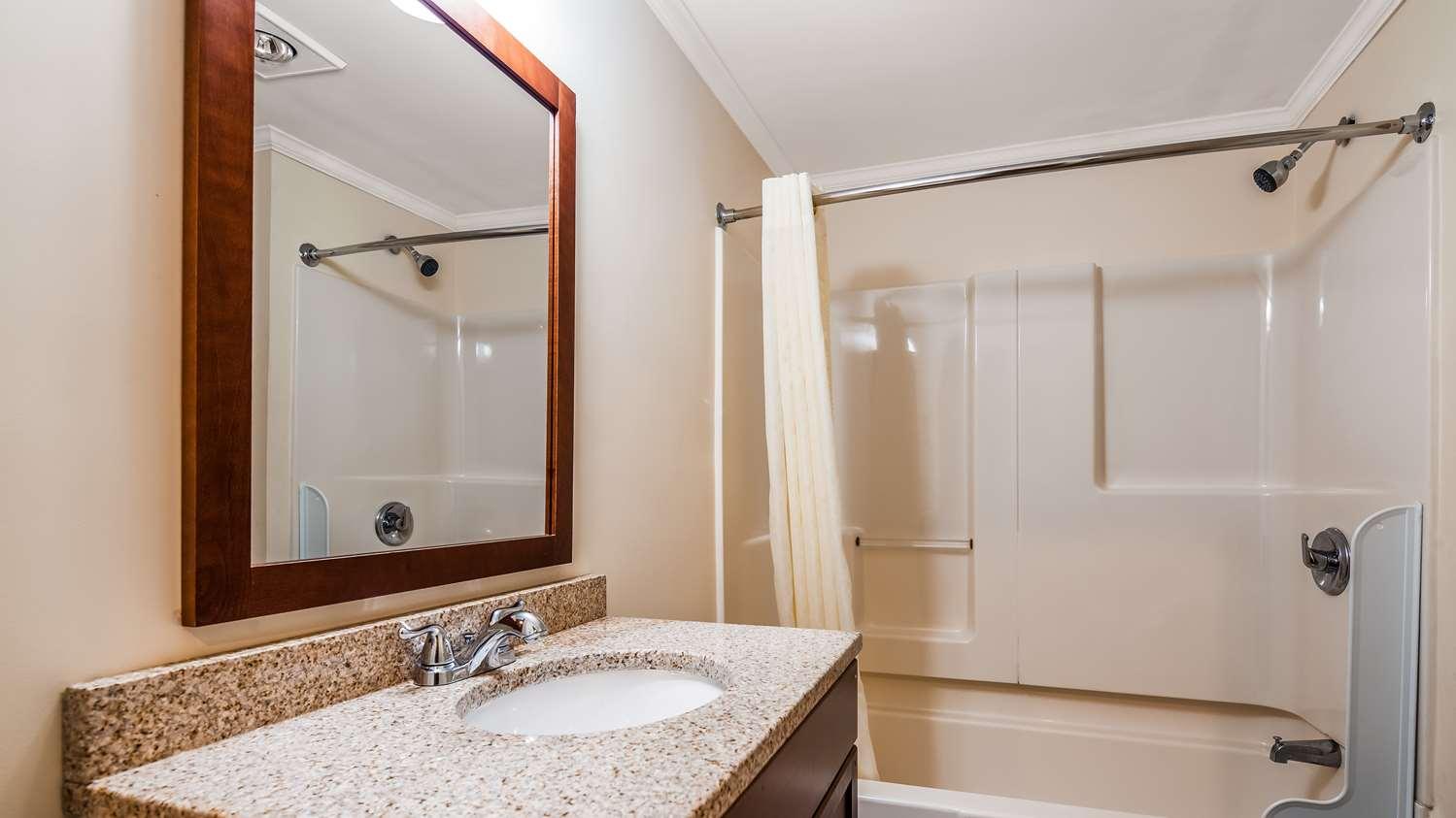 Room - Best Western Adams Inn Quincy