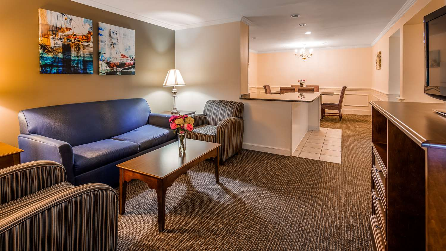 Suite - Best Western Adams Inn Quincy