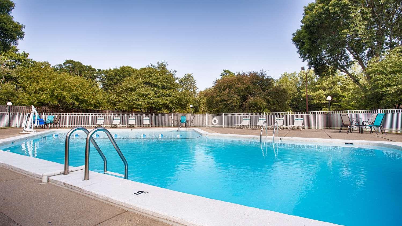Pool - Best Western Plus Chelmsford Inn
