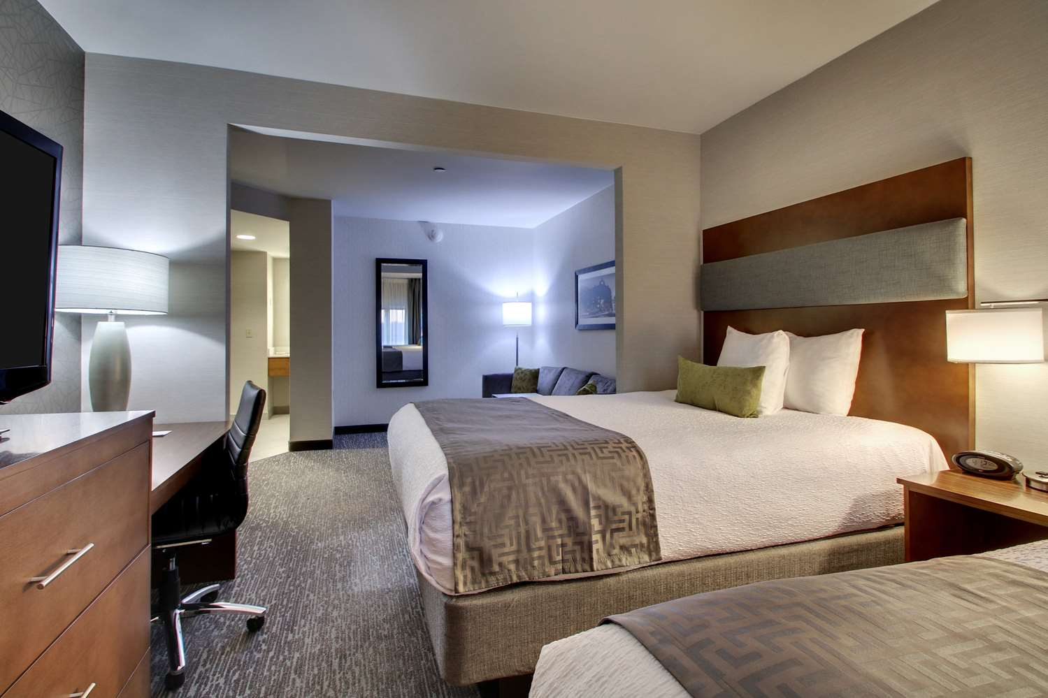 Suite - Best Western Plus Roundhouse Suites Boston