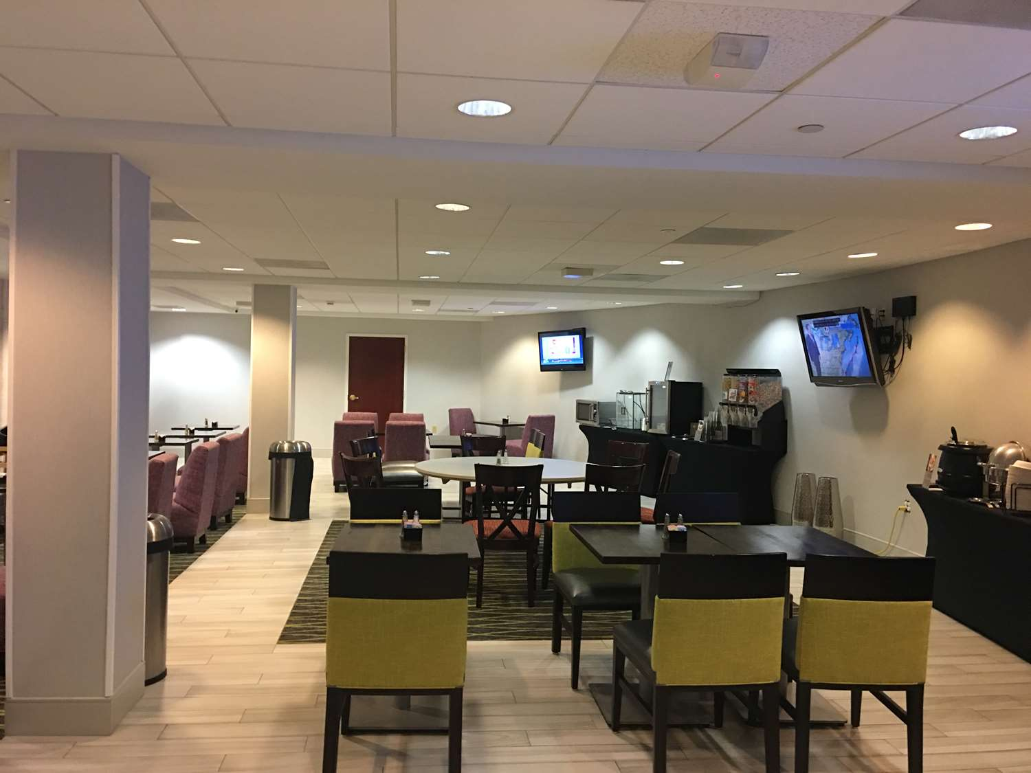 Restaurant - Best Western Plus Roundhouse Suites Boston