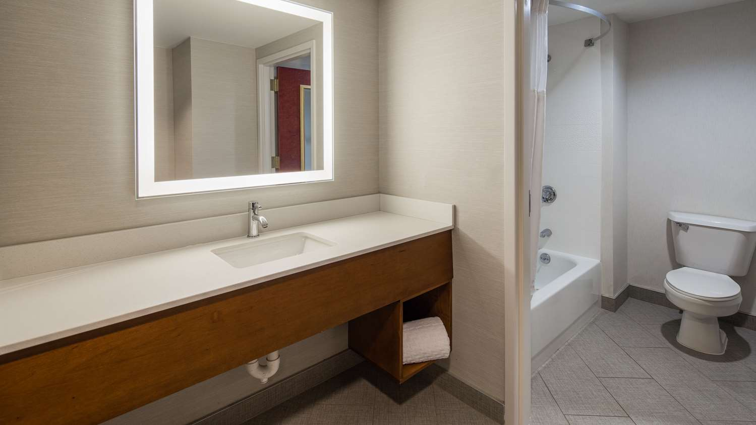 Room - Best Western Plus Roundhouse Suites Boston
