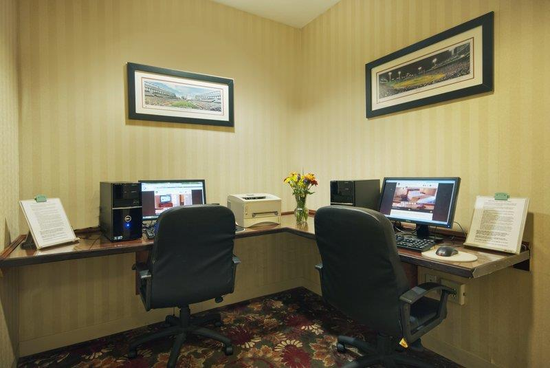 Conference Area - Best Western Plus Roundhouse Suites Boston