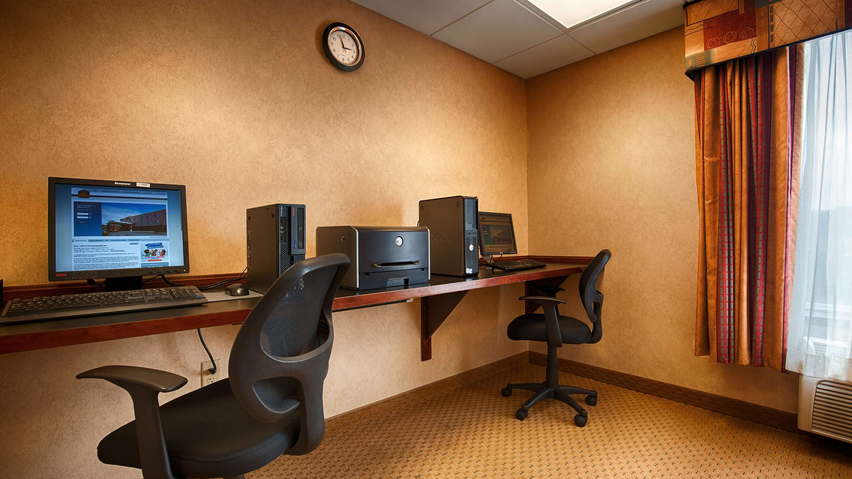 Business Center 115 of 178
