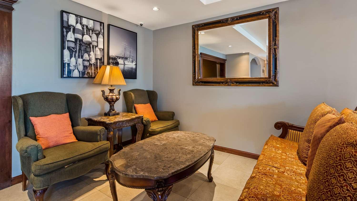 Lobby - Best Western Dartmouth Inn