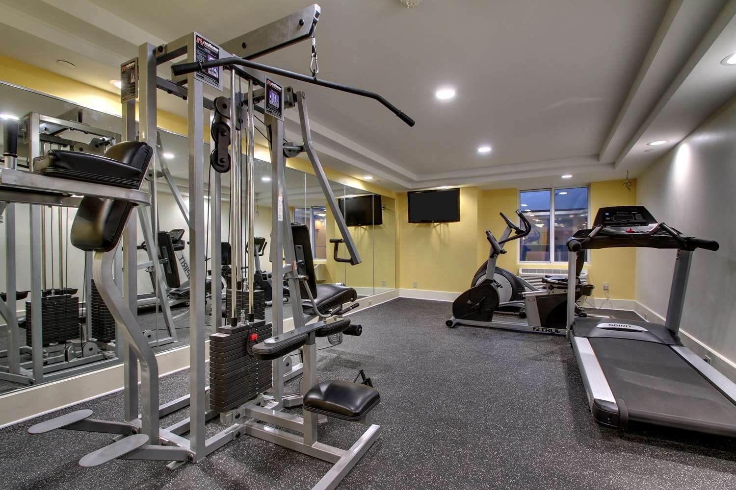 Fitness/ Exercise Room - Best Western Plus New Englander Hotel Woburn