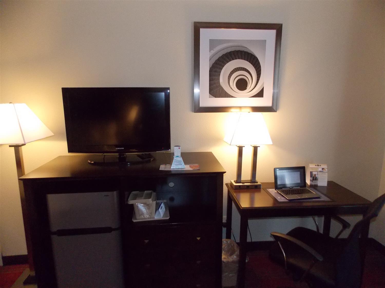 Room - Best Western Springfield West Inn