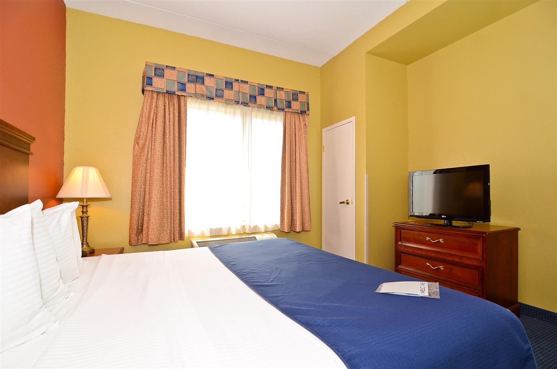 Suite - Best Western Executive Inn Suites Grand Rapids