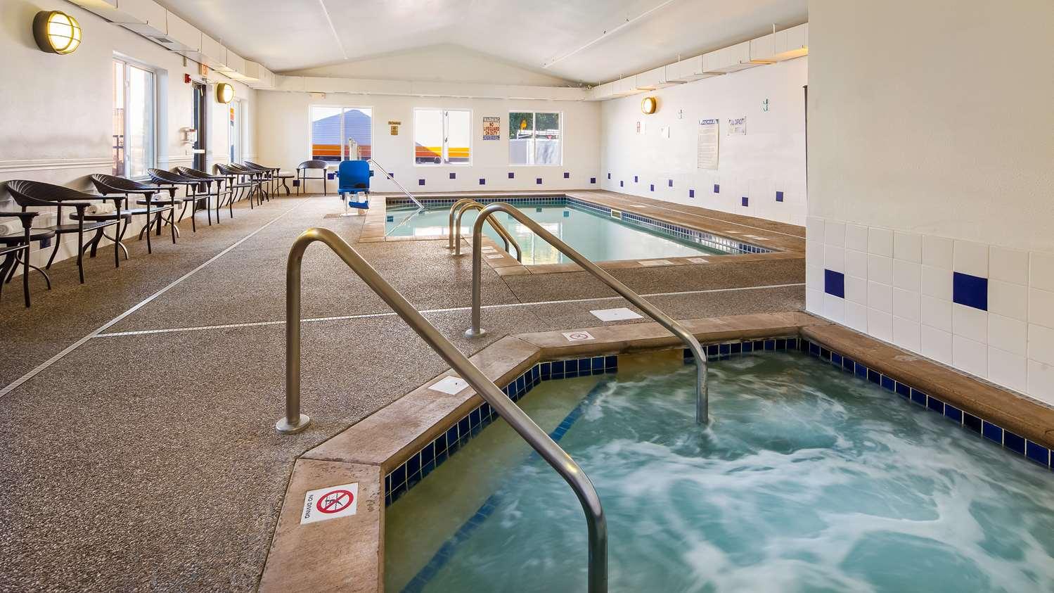Pool - Best Western Eden Prairie Inn