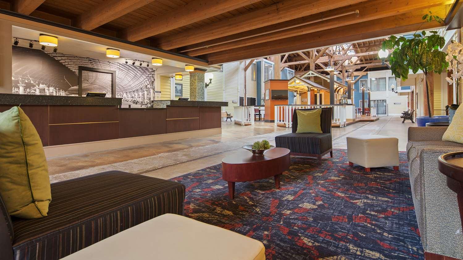 Lobby - Best Western Plus Como Park Hotel St Paul