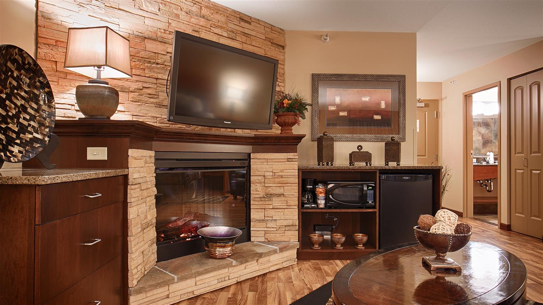 Suite - Best Western Plus Bloomington Inn
