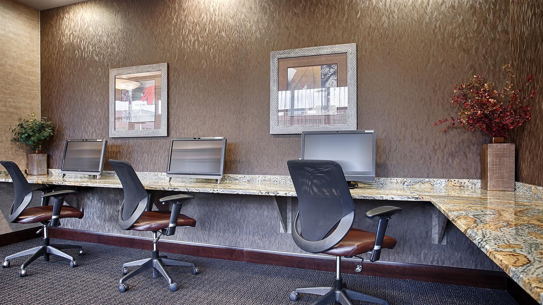 Conference Area - Best Western Plus Bloomington Inn