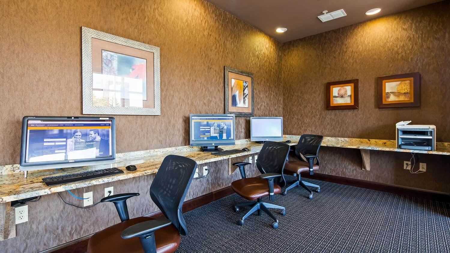 Conference Area - Best Western Plus Bloomington Inn