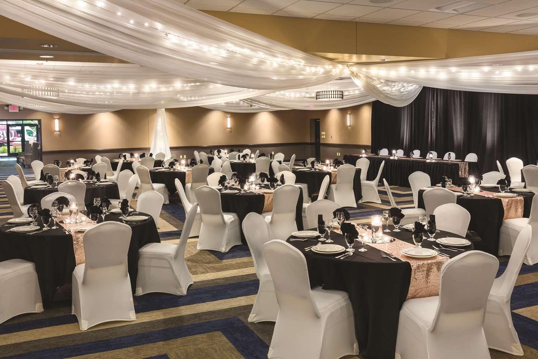 Ballroom - Best Western Plus Bloomington Inn