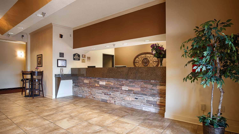 Lobby - Best Western Plus Albert Lea I-90 I-35 Hotel