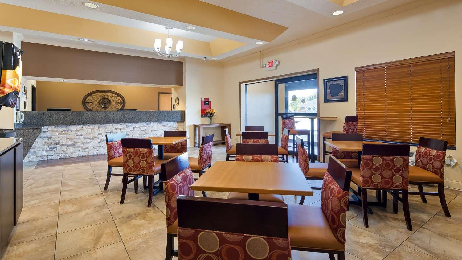 Restaurant - Best Western Plus Albert Lea I-90 I-35 Hotel