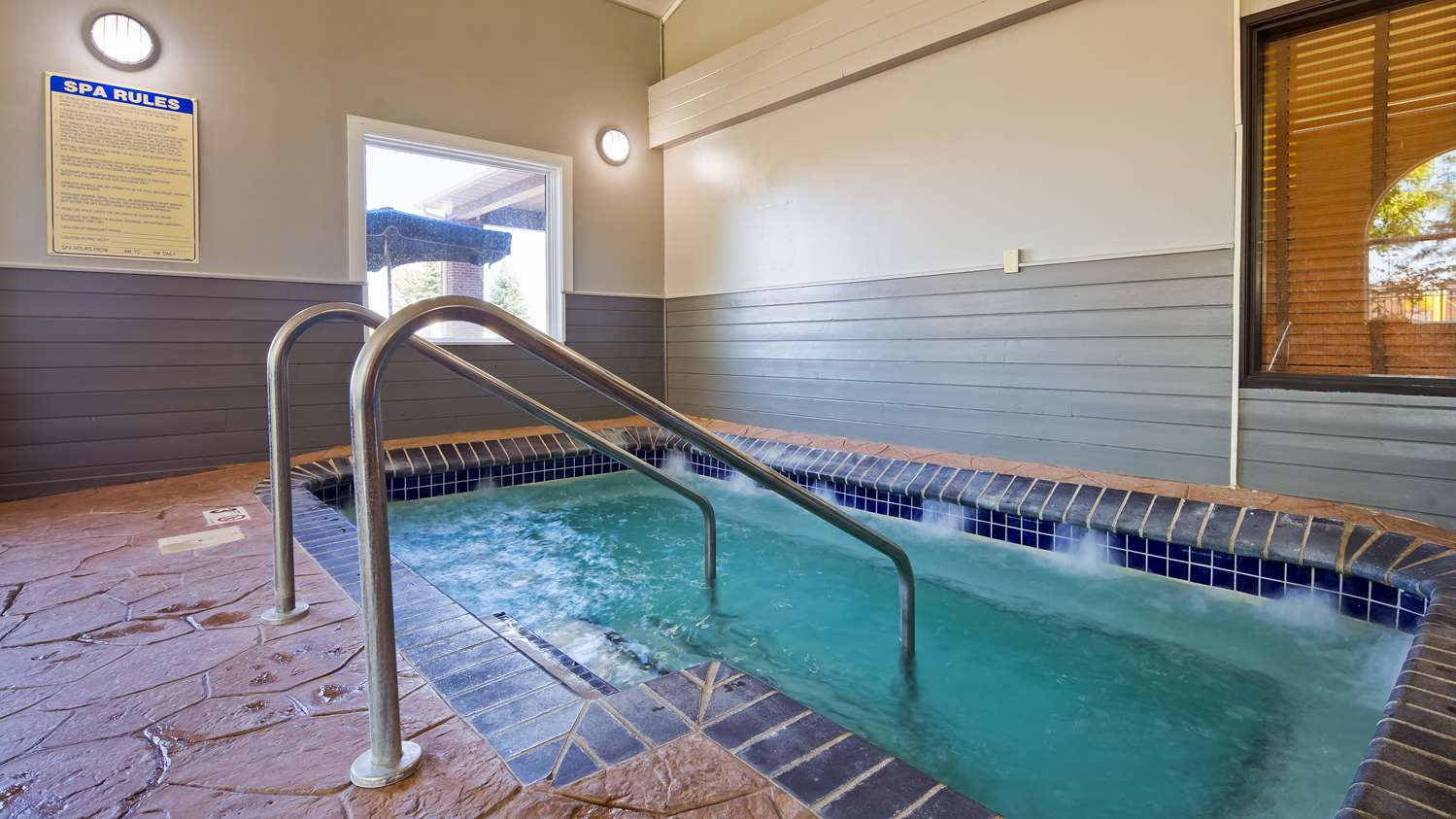 Pool - Best Western Alexandria Inn