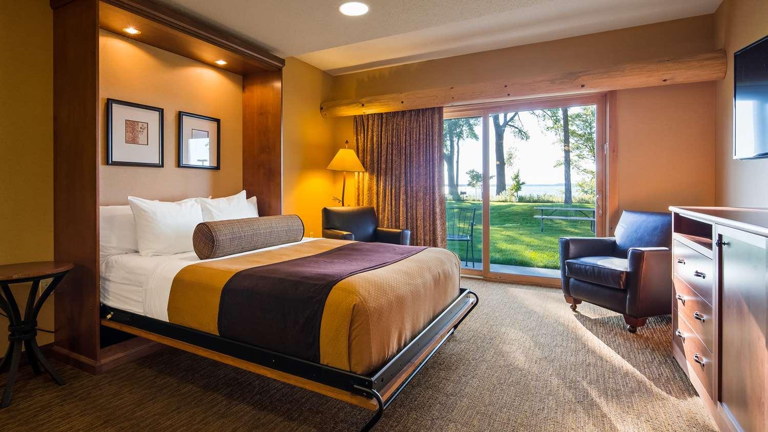 Room - Best Western Premier Lodge on Lake Detroit