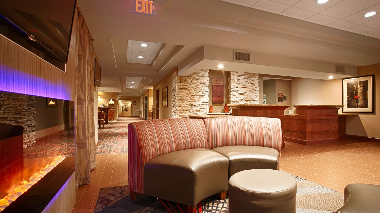 Lobby - Best Western Plus Hotel Willmar