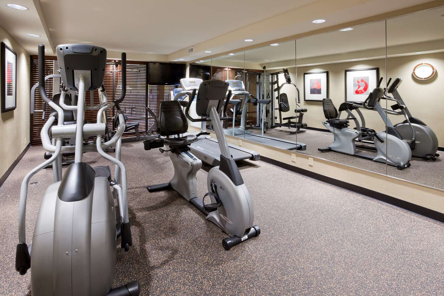 Fitness/ Exercise Room - Best Western Plus Hotel Willmar