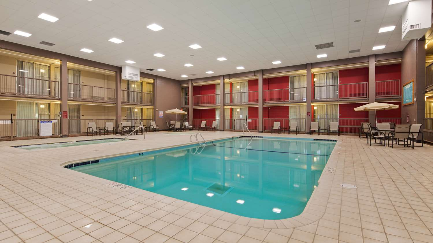 Pool - Best Western Plus Hotel Willmar