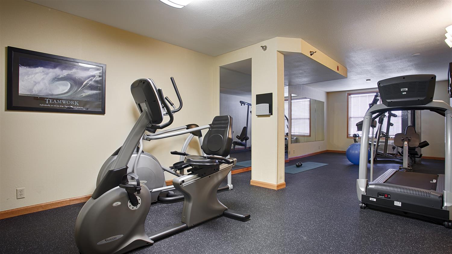 Fitness/ Exercise Room - Best Western Plus Spirit Mountain Proctor