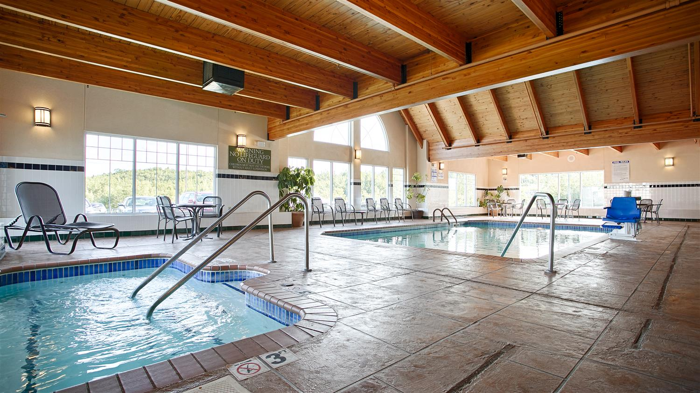 Pool - Best Western Plus Spirit Mountain Proctor