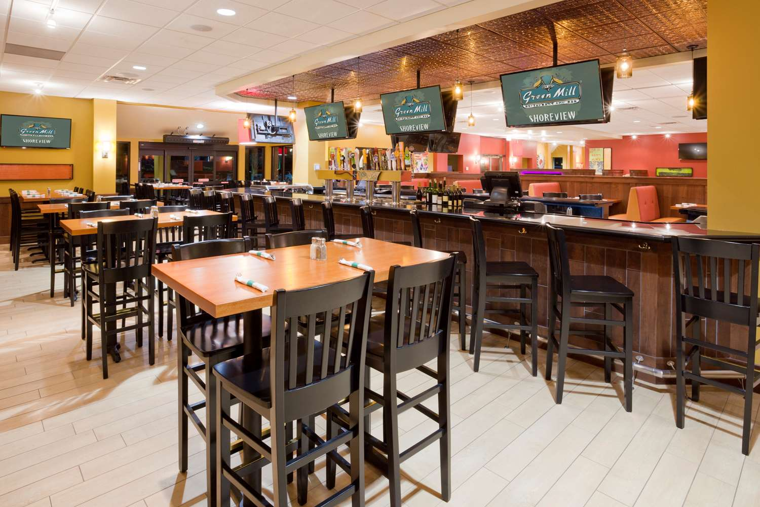 Bar - Best Western Plus Hotel Shoreview
