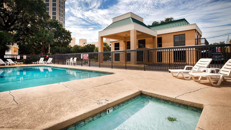 Pool - Best Western Oak Manor Motel Biloxi