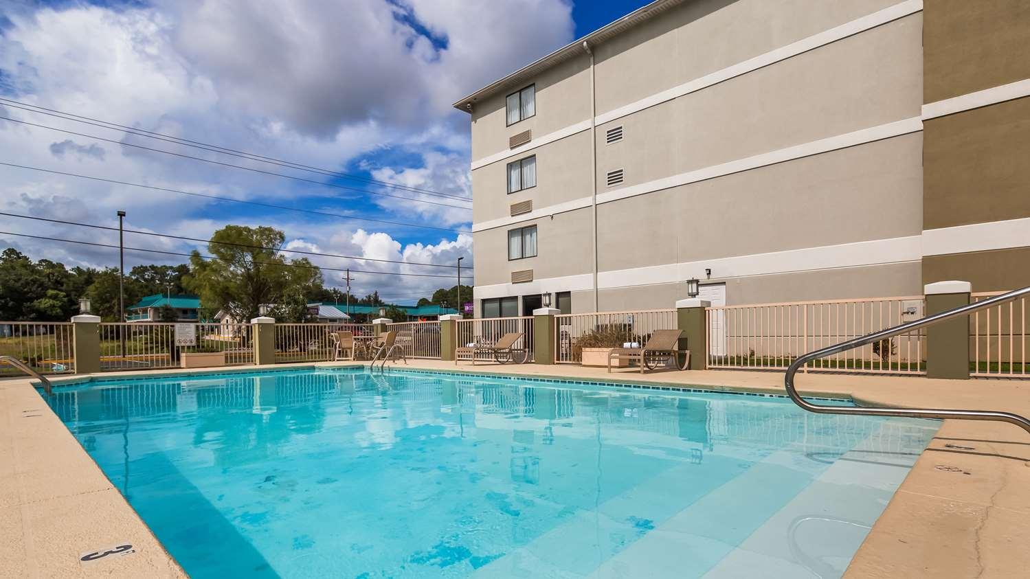 Pool - Best Western Plus Cypress Creek Hotel Ocean Springs