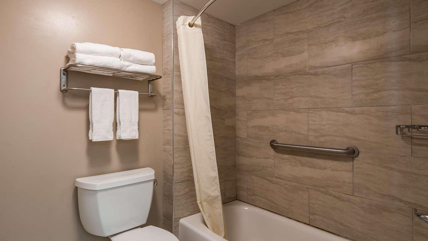 Room - Best Western Plus Cypress Creek Hotel Ocean Springs